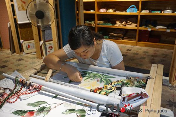 Bordado de Guangxi é cartão postal para a cultural local